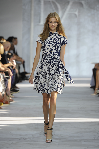 dvf b and w